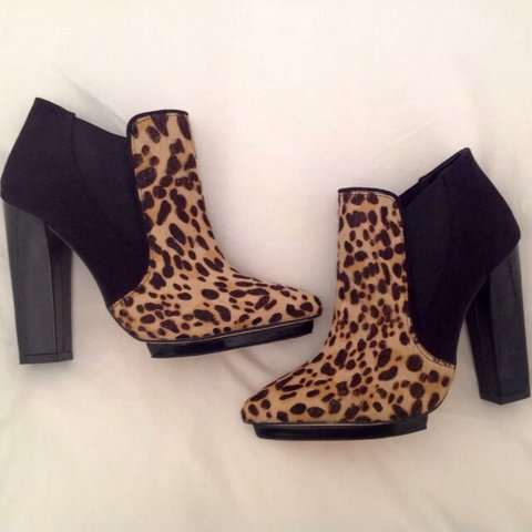 e0888161600ee ALDO Size 4 Black and leopard print Heeled Ankle boots as - Depop