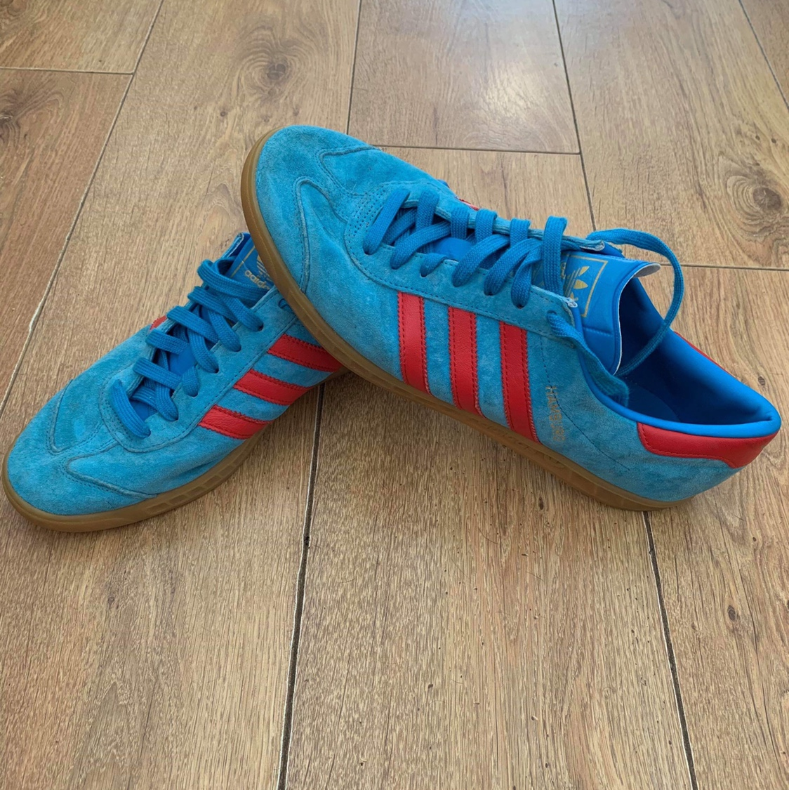 De hecho Giotto Dibondon Catedral  Adidas Hamburg - Blue and Red CW Size UK10 Worn but... - Depop