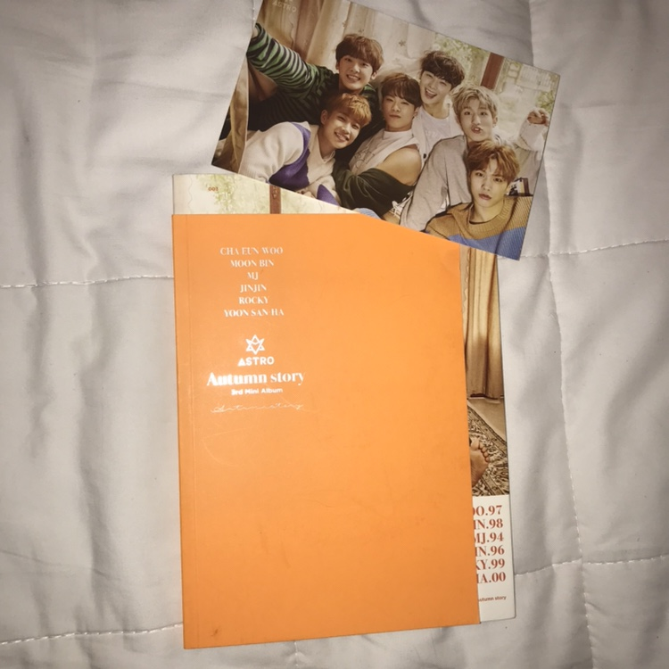WTS astro autumn story with group postcard perfect    - Depop