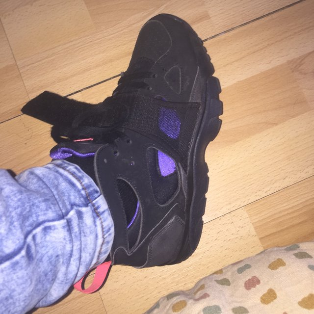 High Top Nike Huaraches With Strap