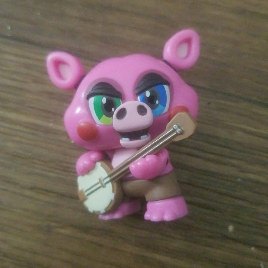 Lefty and pig patch figure from fnaf mystery mini    - Depop
