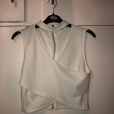 2900d4fe44925 missguided wrap over top so nice and only worn once so in - Depop