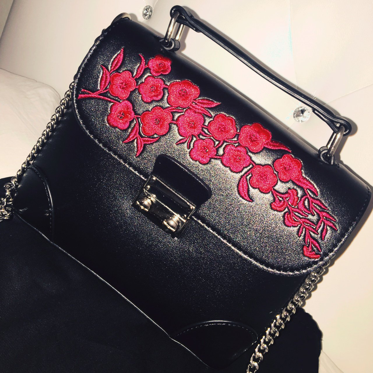 bcf2e473588b Black  floral  purse  crossbody  bag outfitted with sleek a - Depop