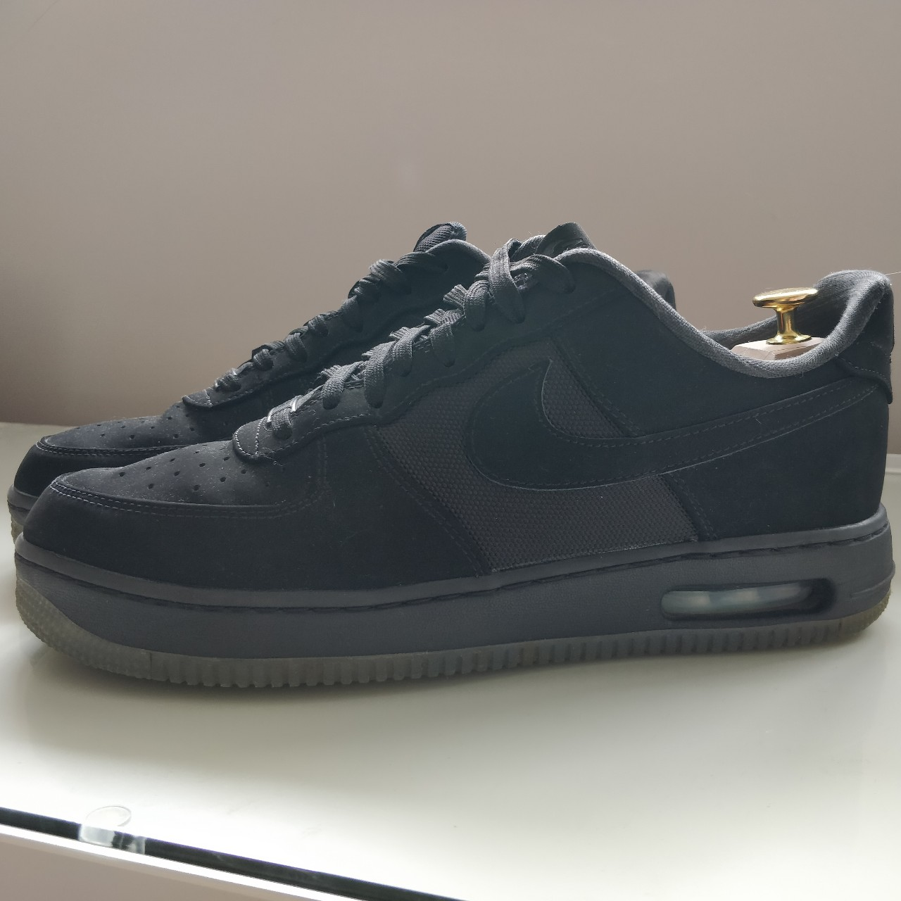 UK10 - Nike Air Force 1 (with air