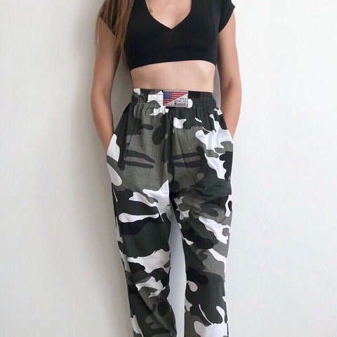 d1740f775971ac @salutethesun. last year. London, United Kingdom. Amazing black white and grey  high waisted camo trousers - size 6 ...