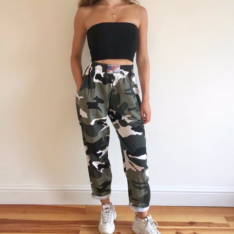 6af9219475f970 @salutethesun. 2 months ago. London, United Kingdom. Amazing black white  and grey high-waisted camo trousers.