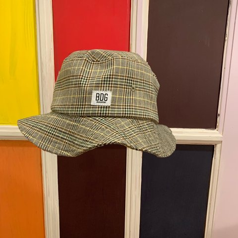 293eeb1325616 URBAN OUTFITTERS BDG PLAID BUCKET HAT Never worn One size - Depop