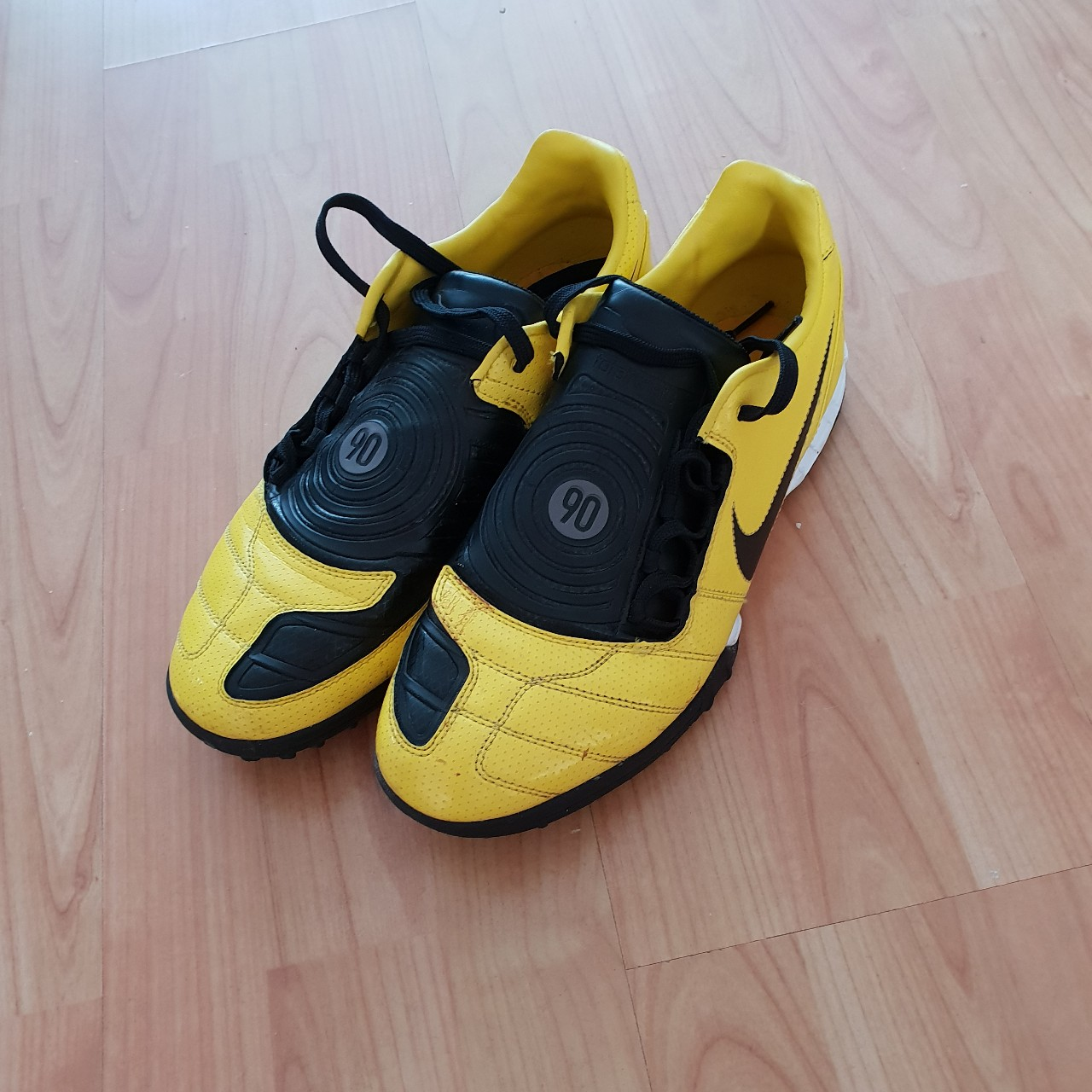 Nike T90 Yellow Astro Trainers 🔥 Size 8