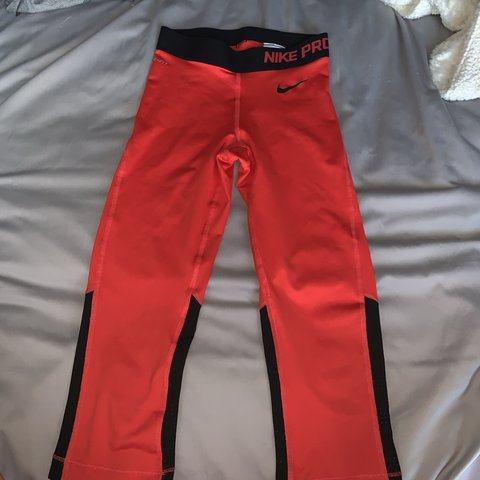 c4a5eca3c4bc0 Red Nike pro red leggings, brand new never worn but got no - Depop