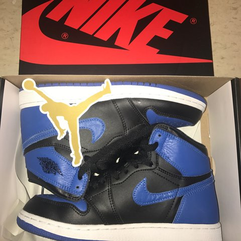 ab5147612a2b09 2017 royal 1s. Slight creasing. Comes with receipt size 4.5 - Depop