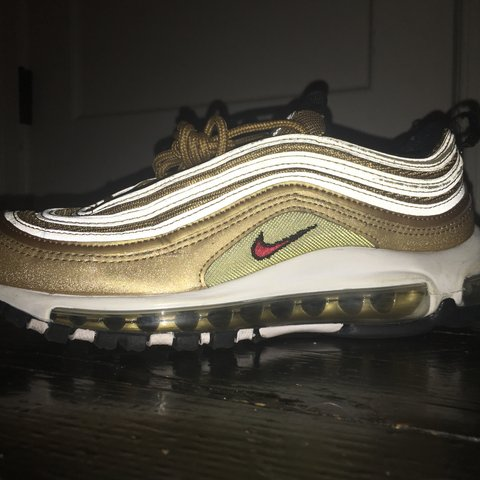 005ca393c4 @claudiadaisy. 8 months ago. New York, United States. NIKE gold air-max 97  🤩 great condition, barely worn💛