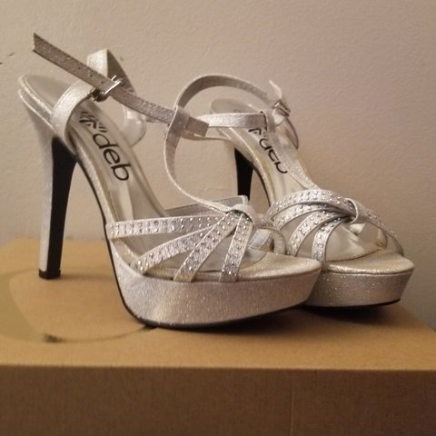 bfb72ce1c97 Cute silver prom high heels ! Only worn once. Basically new. - Depop