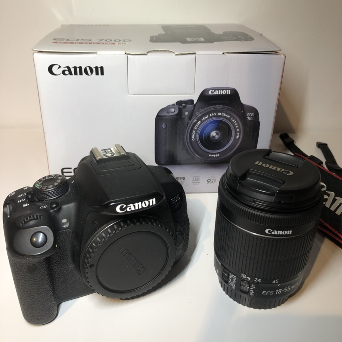 Canon EOS 700D 18 0MP Digital SLR Camera with Kit