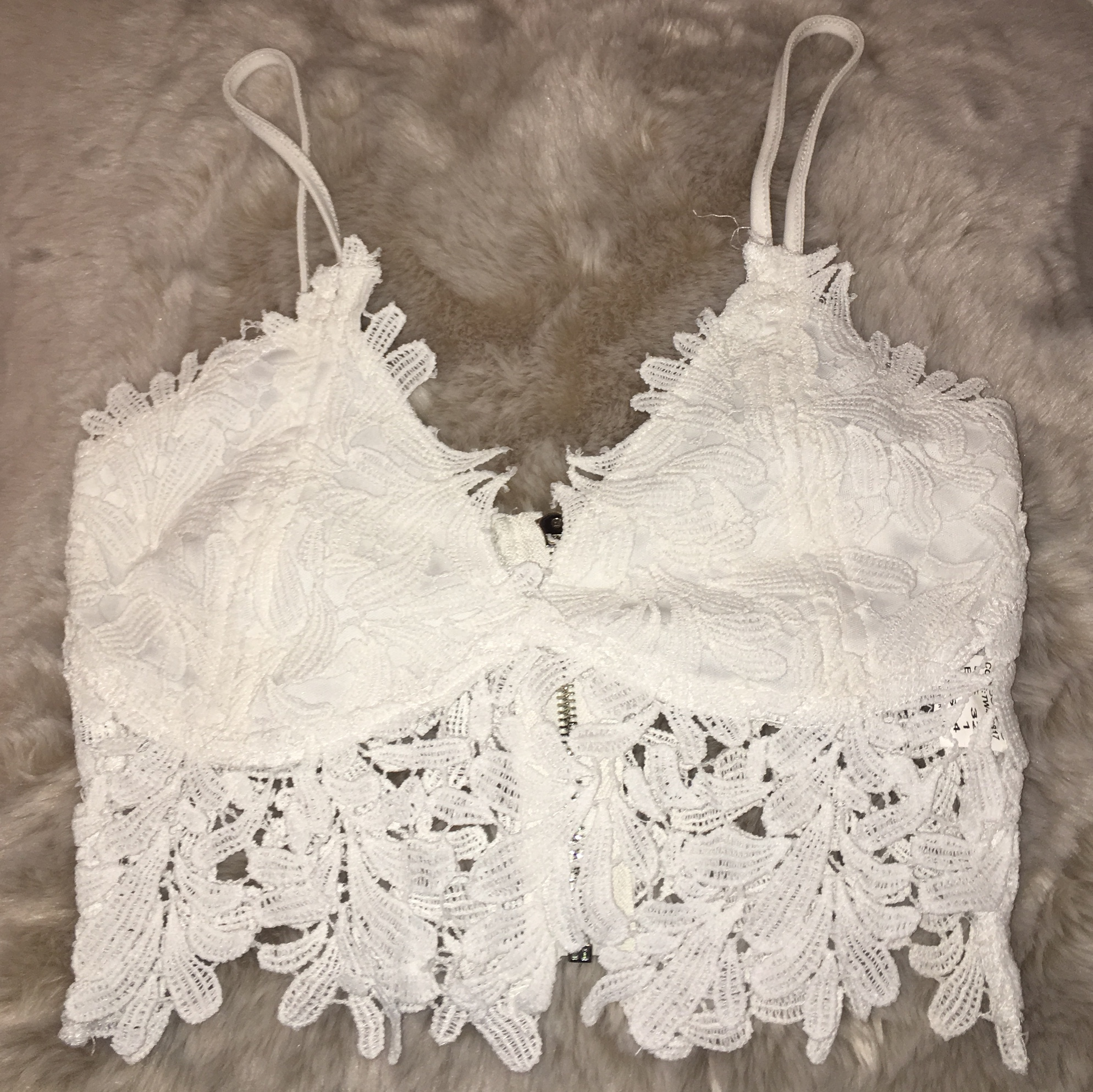 c8a26dc2bbc54c Missguided white lace crop top bralette