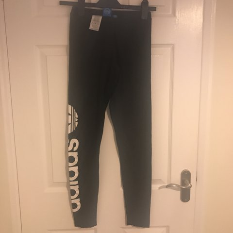 f2419c0b2c1ab @hat_langford. 10 months ago. Berkhamsted, United Kingdom. Adidas Gym style  black leggings. Size 6