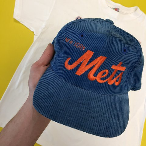0169888e24e 1980s Corduroy New York Mets Hat • Super fresh vintage on - Depop