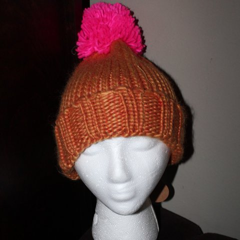 a2733ede21e New Anthropologie Slopeside Orange Pink Beanie Hat By size - - Depop