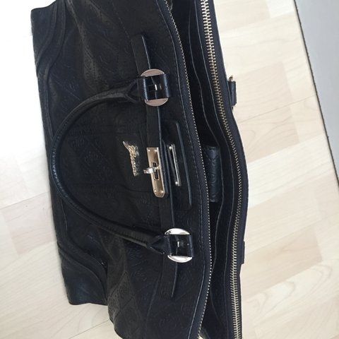 61bd05832d6c 100% authentic guess bag. Bought in Miami for   120. Make me - Depop
