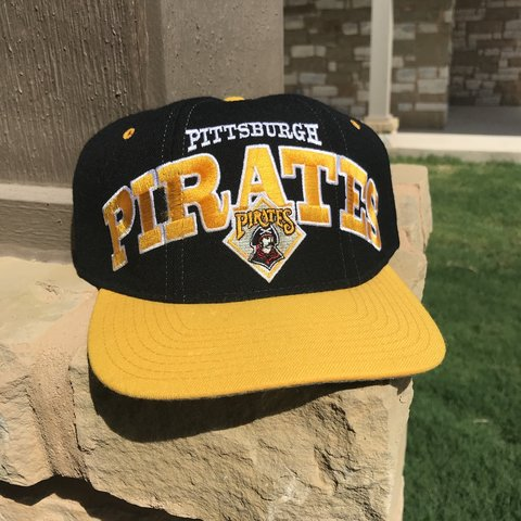 15e41aa3a6f67 Brand new vintage Pittsburgh Pirates starter SnapBack. MAC - Depop