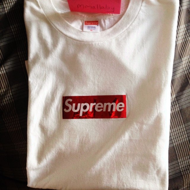 Mmallaby 5 Years Ago Tyne And Wear United Kingdom Supreme Authentic Holographic Box Logo Tee