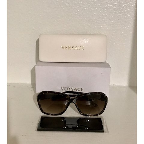 b4364bbfb446a Versace Sunglasses (Pre-owned) Versace 4218B 876 13 well - Depop