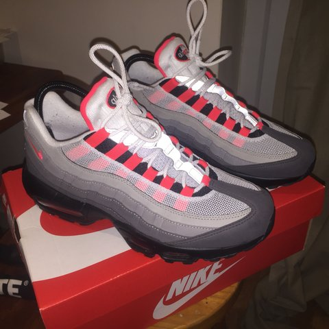 hot sale online 9bc3a 18a2f  faizlat. 6 months ago. Newcastle Upon Tyne, United Kingdom. Nike Air Max 95  OG 2018 Solar Red