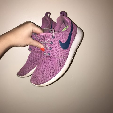 eaf6ab538359 Nike Roshe runs- pink with navy blue tick and lime green - Depop