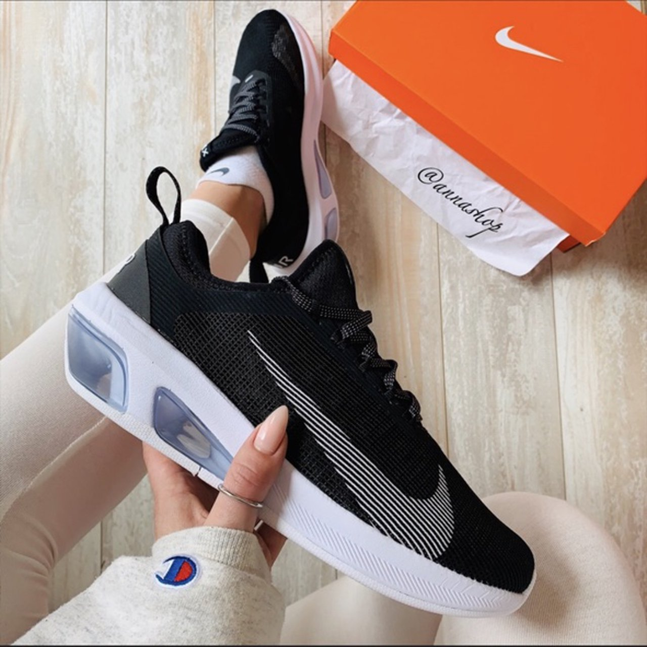 Fiesta Aprovechar bueno  NWT Nike Air Max FLY Black Brand new with box.... - Depop