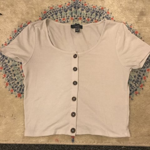 c2e5d653838 @issyrobbo. 5 months ago. Leeds, United Kingdom. White ribbed button up  front crop top ...