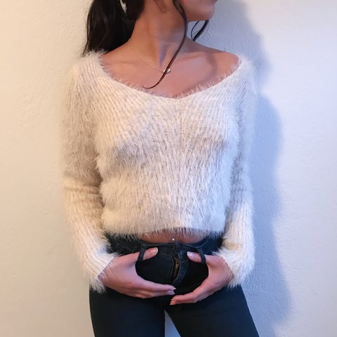 282c75e8dd h m cream or off white fuzzy cropped sweater. absolutely and - Depop