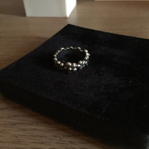 4b6eb1b94 @rachtommey. 2 years ago. Luton, UK. Pandora flower ring with gold flower  centres. Size 52.