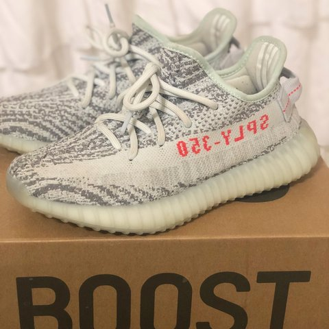 73218a5d4ea8d Yeezy Boost 350 V2  Blue Tint  Size 5 in mens