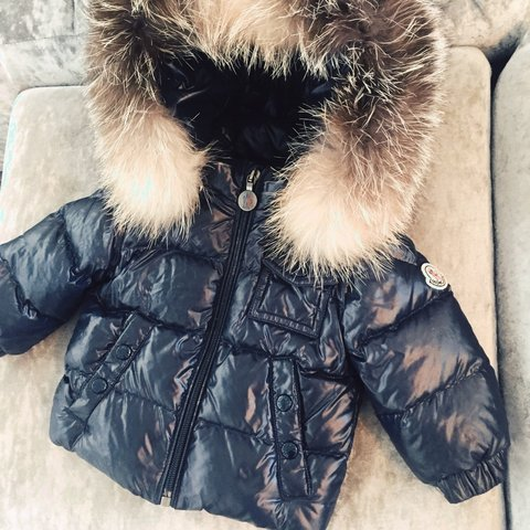 b24ec9fe3 100% authentic baby Moncler coat with removable fur hood. a - Depop
