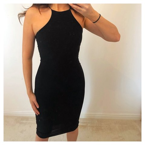 4ef46242ae53 @emilymaekilby. 10 hours ago. York, United Kingdom. Prettylittlething PLT  Black slinky midi dress. Size 8. Very flattering!