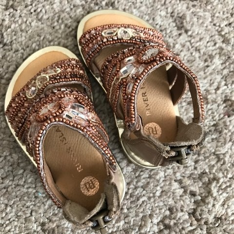best sneakers 8f71d 2f783 Baby girl sandals from River- 0