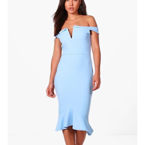 f062a29224339 Pale blue fishtail midi dress from boohoo. Only tried on for - Depop