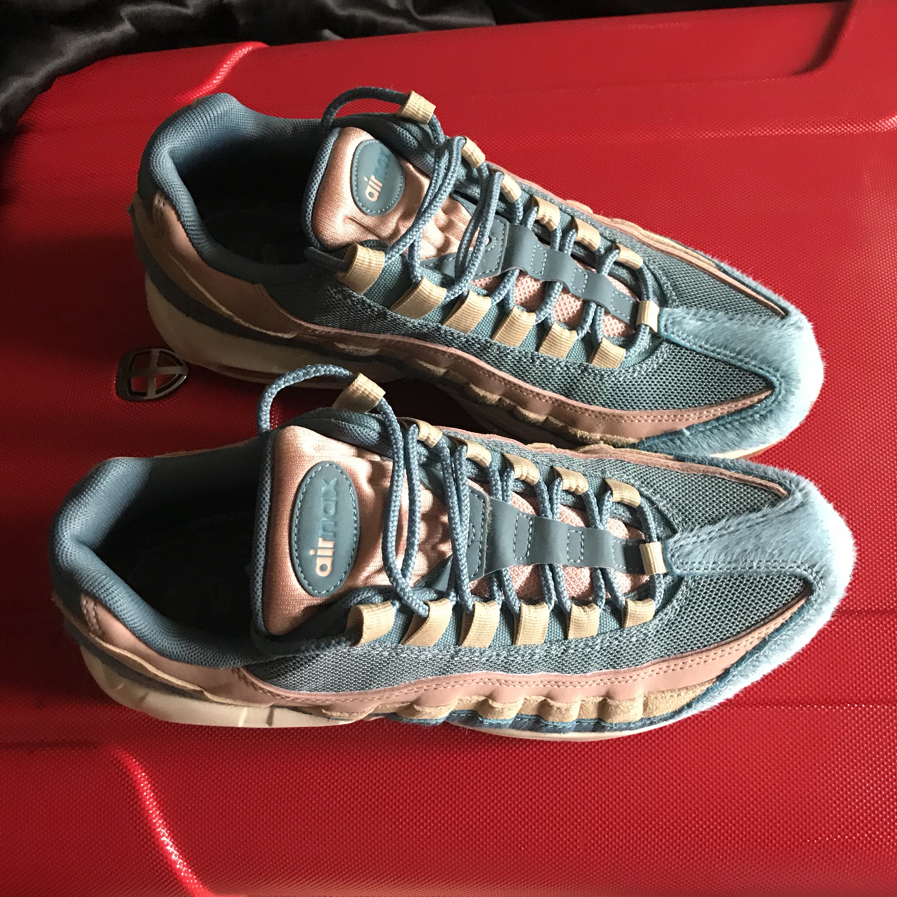 Nike Air Max 95 LX Woman's Size 7 Barely worn in Depop