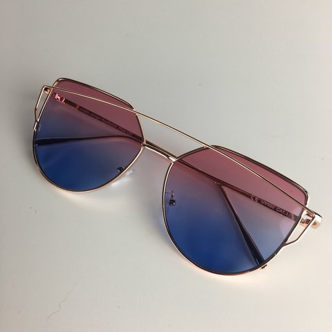 d4f52b6dac5  fang. 2 years ago. United Kingdom. Celebrity Style Sunglasses ⋅ Gold Frame  with Pink to Purple Tinted Lenses ⋅ UV400 ⋅ Hand Polished ⋅ FREE POSTAGE ...
