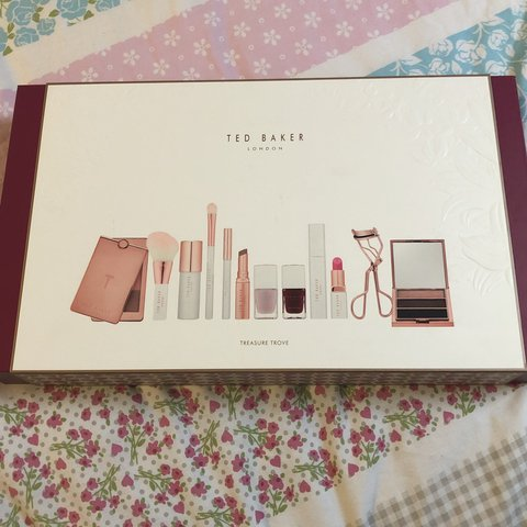 a76549ca6bf80 Ted Baker treasure trove gift set. Contains 1 pink lipstick