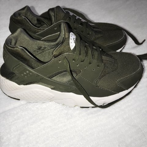 3fe54136092d Khaki green Nike Huaraches in very good condition. No have - Depop