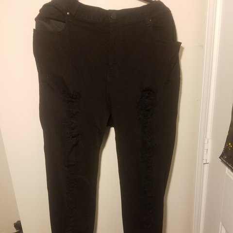 205600f70b Plus size (20) forever 21 distressed black Jeans. These have - Depop