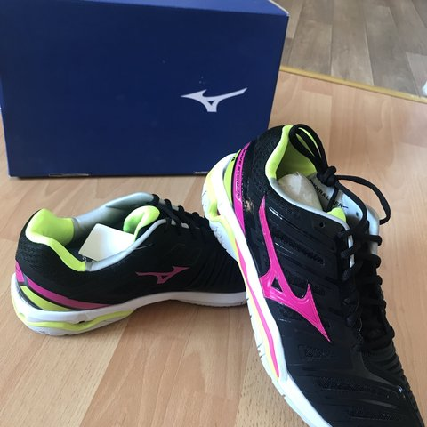 28da893708c0 Brand new out the box. Netball trainers. Mizuno wave stealth - Depop