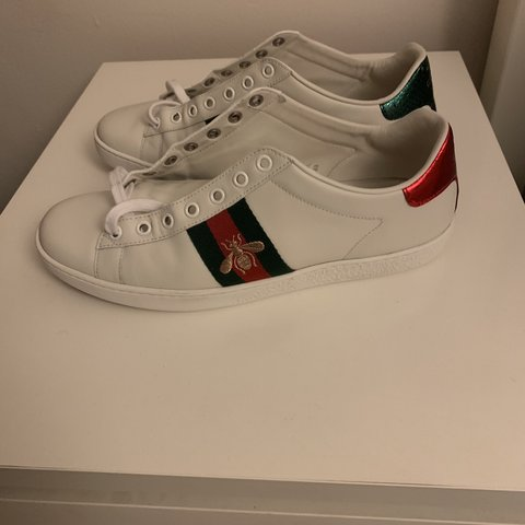 82f5415e9f2 Gucci women s New Ace bee embroidered trainers size 38.5 (UK - Depop
