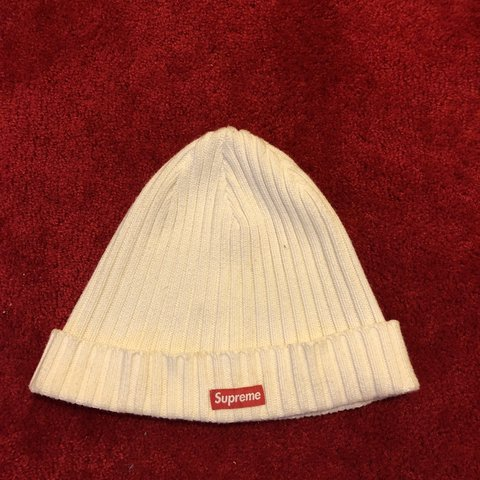 ff12ee80faa66 White Supreme Beanie Amazing Condition Free Shipping✈ - Depop
