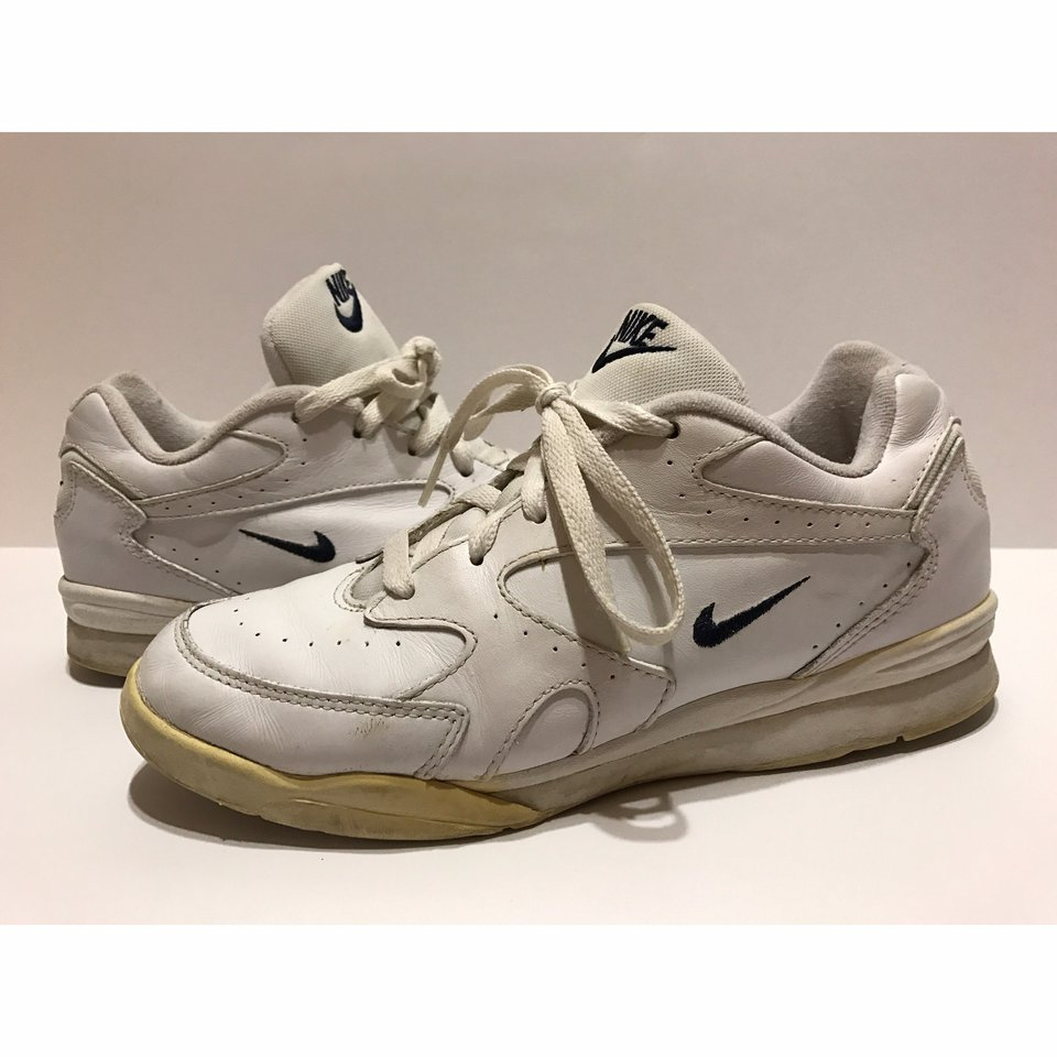 a005415a6f8b5 90s Vintage Nike Womens Sneakers Size 9 Great... - Depop