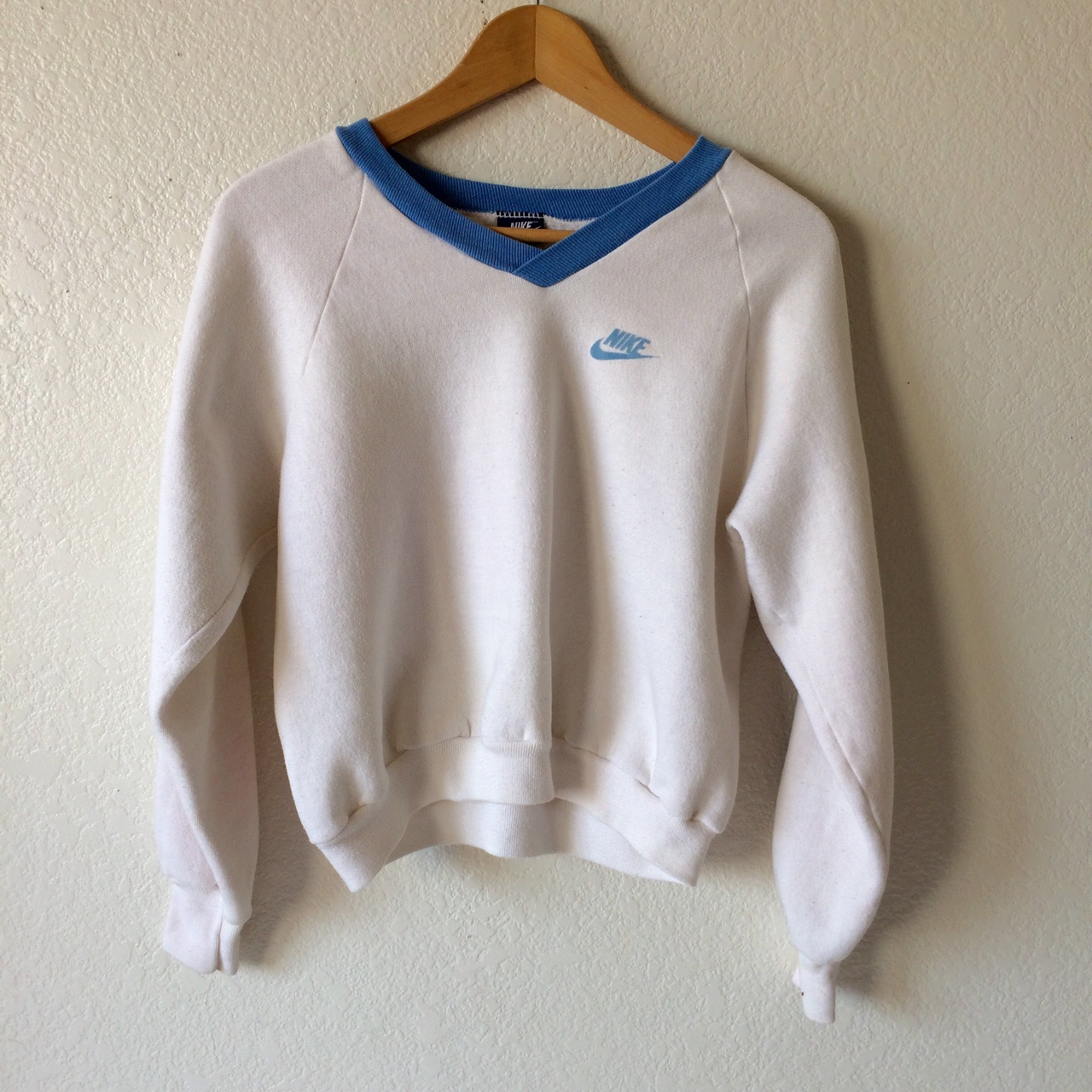 nike v neck sweatshirt women's