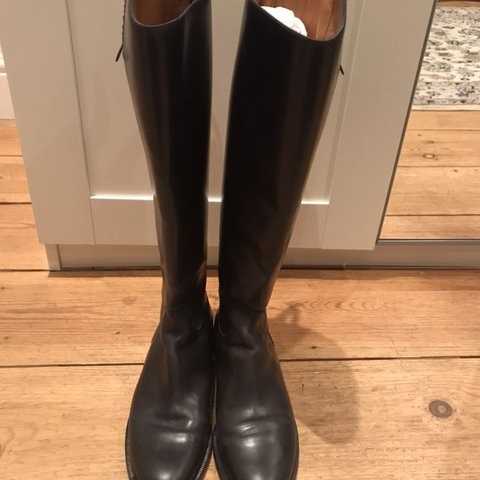 15bc846d2 @vanessarcc. 3 months ago. London, United Kingdom. Gucci black riding boots,  almost new, black leather, size 38 European ...