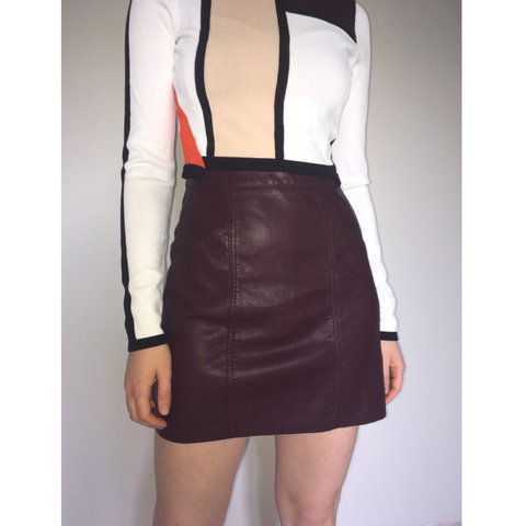 1d5a3322b Size 6 burgundy faux leather a-line skirt from New Look with - Depop