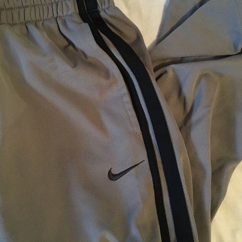 959bb6e80319 unisex nike bottoms. perfect condition. size XXL but can fit - Depop