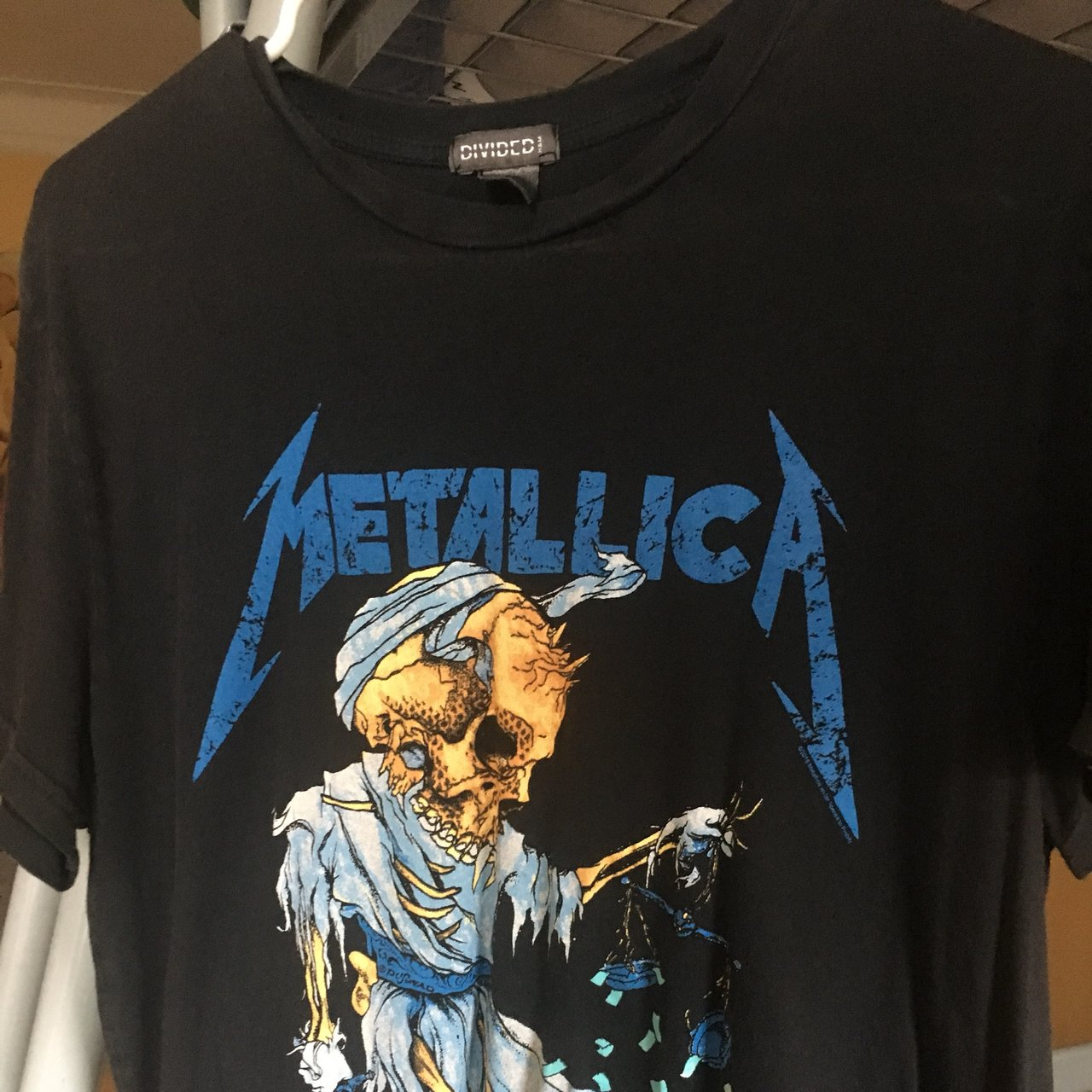 H Just Too Metallica T At amp;m ShirtNo Flaws For Depop Divided All tCrxQhsd